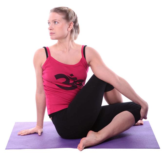 bai-tap-yoga-cho-nguc-no-eo-thon-1