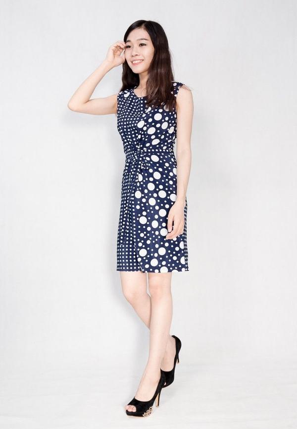 Đầm đẹp ngày hè cho dân văn phòng - www.TAICHINH2A.COM