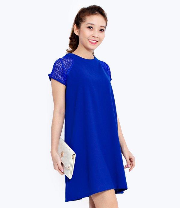 Gam màu xanh nền nã đẹp ngọt ngào kết hợp tay áo ren điệu đà