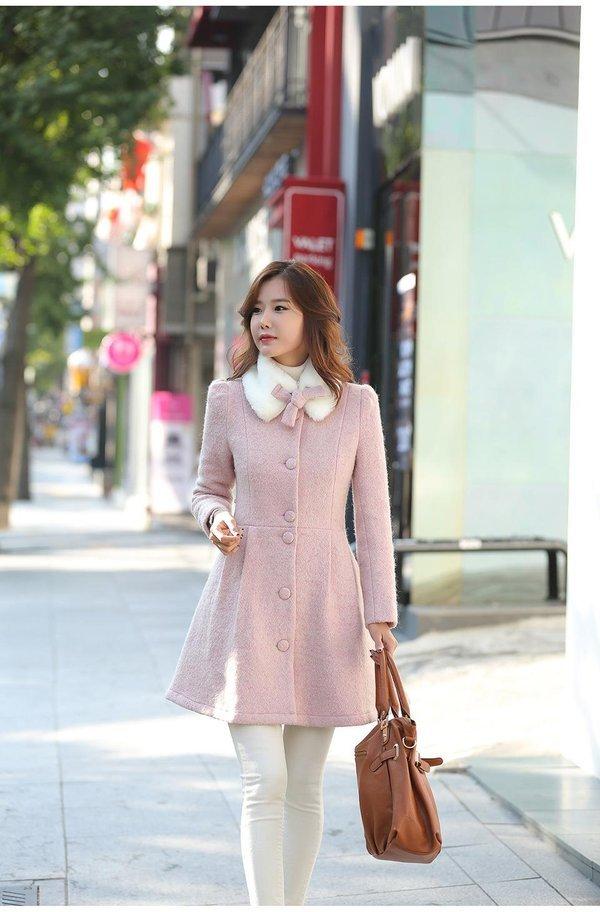 Chiếc áo dạ dáng xòe thiết kế theo phong cách Hàn Quốc